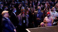 Trump celebra un mitin en una iglesia de Las Vegas sin mascarilla ni distancia social