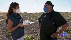 Elena Furiase prepara una sopa de melón fría en Villaconejos