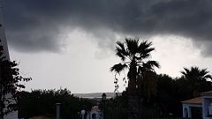 En Canarias, cielos nubosos en las islas occidentales, con precipitaciones en La Palma