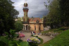 Aquí la Tierra - En Comillas se encuentra el capricho de Gaudí, ¿sabes de qué te hablamos?