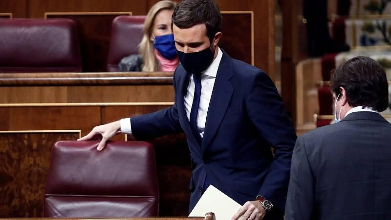 """Casado carga contra Abascal: """"Hoy Sánchez sale a hombros de los diputados de Vox. Vaya capote le ha echado"""""""