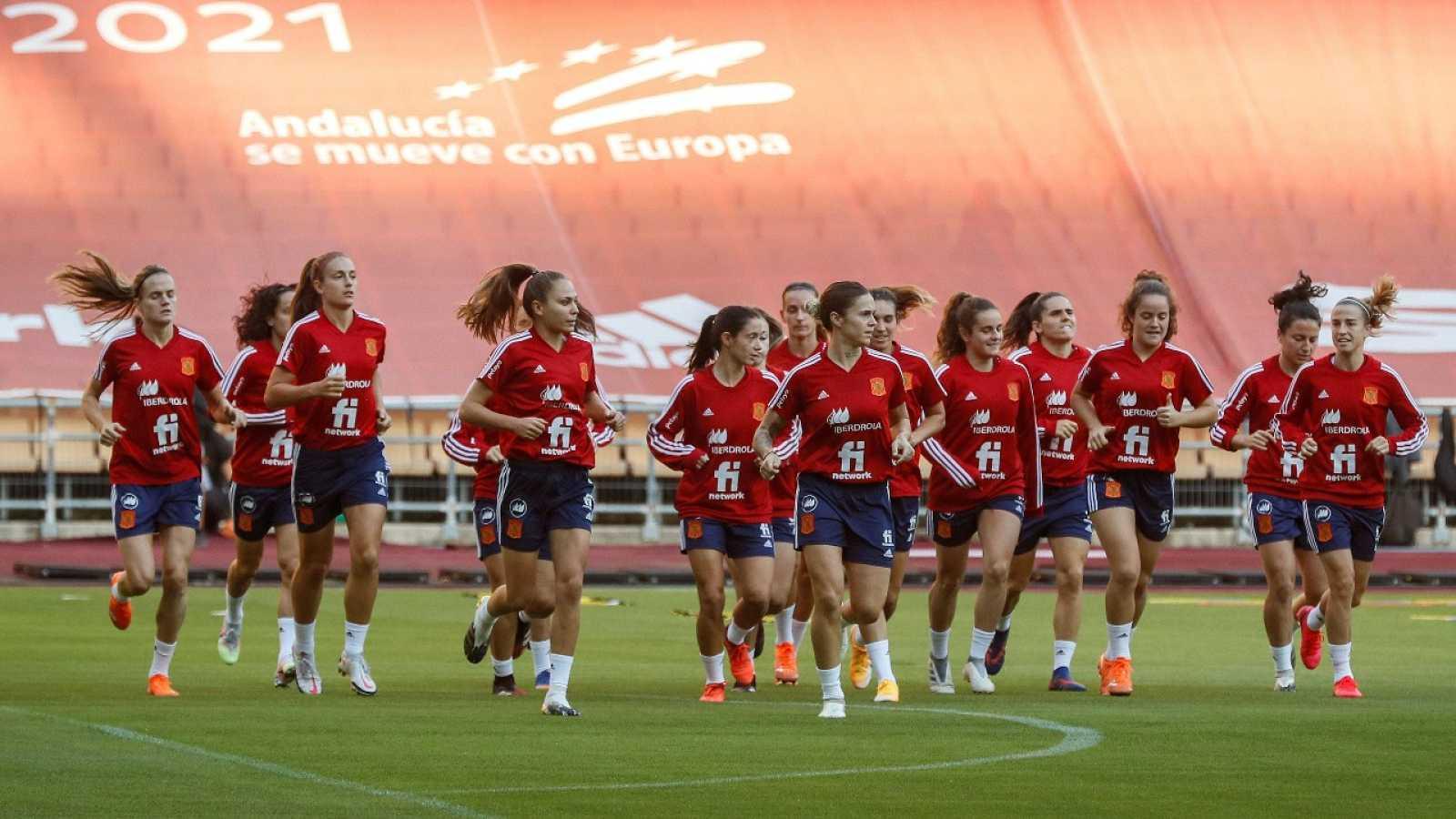 La selección española prepara el choque ante República Checa en La Cartuja