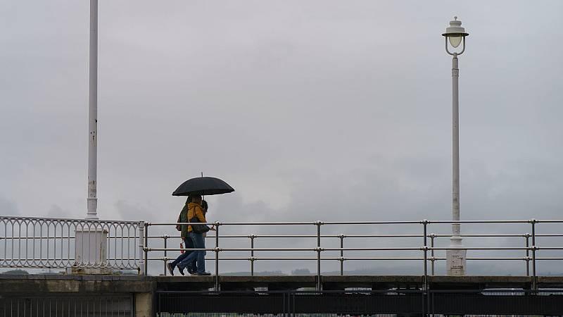 Este viernes cielos nubosos con pocas lluvias en toda España y solo Aragón está en aviso amarillo