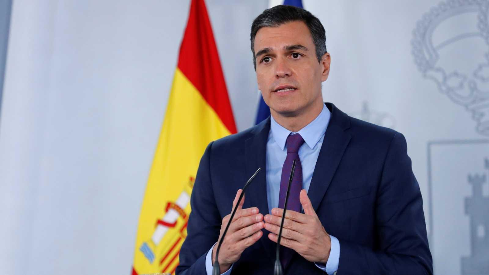"""Sánchez avisa de que la situación es """"grave"""" y pide """"unidad"""" para """"doblegar la curva"""""""