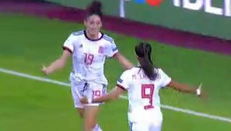 Esther González marca en un minuto (1-0)
