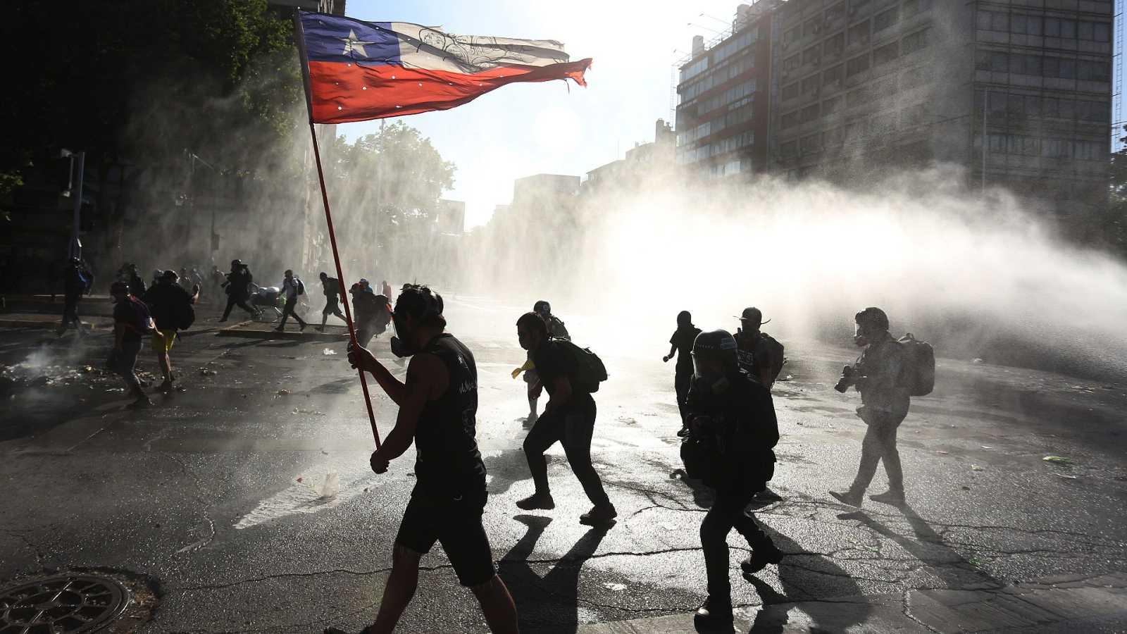 Chile decide en plebiscito la continuidad o el cambio de la Constitución  pinochetista