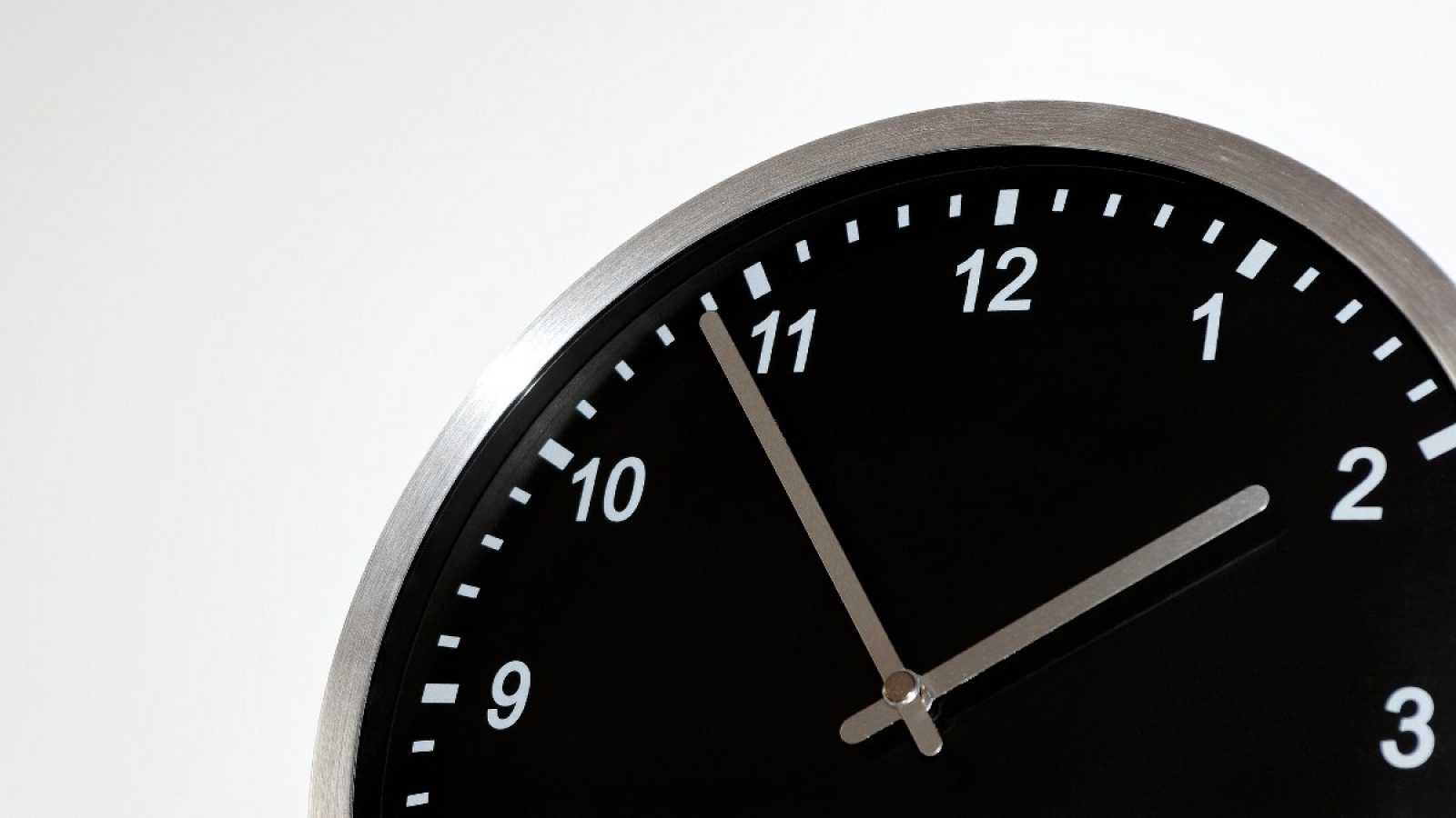 Este domingo se retrasa la hora para entrar en el horario de invierno