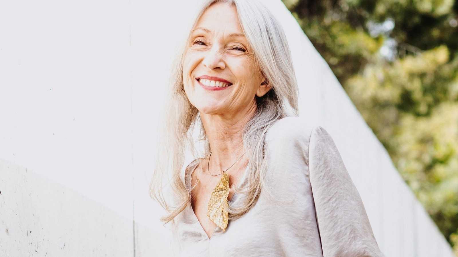 La diseñadora Sole Alonso pone de moda el satén