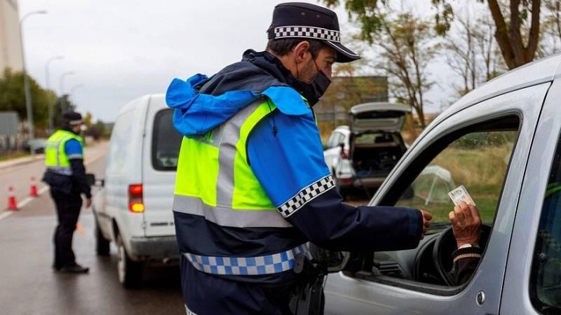 Seguimiento policial para hacer cumplir las cuarentenas obligatorias