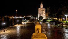 Calles vacías en la primera noche de toque de queda frente al coronavirus en toda España