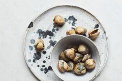 Aquí la Tierra - Conocemos la curiosa receta de las croquetas de berberechos
