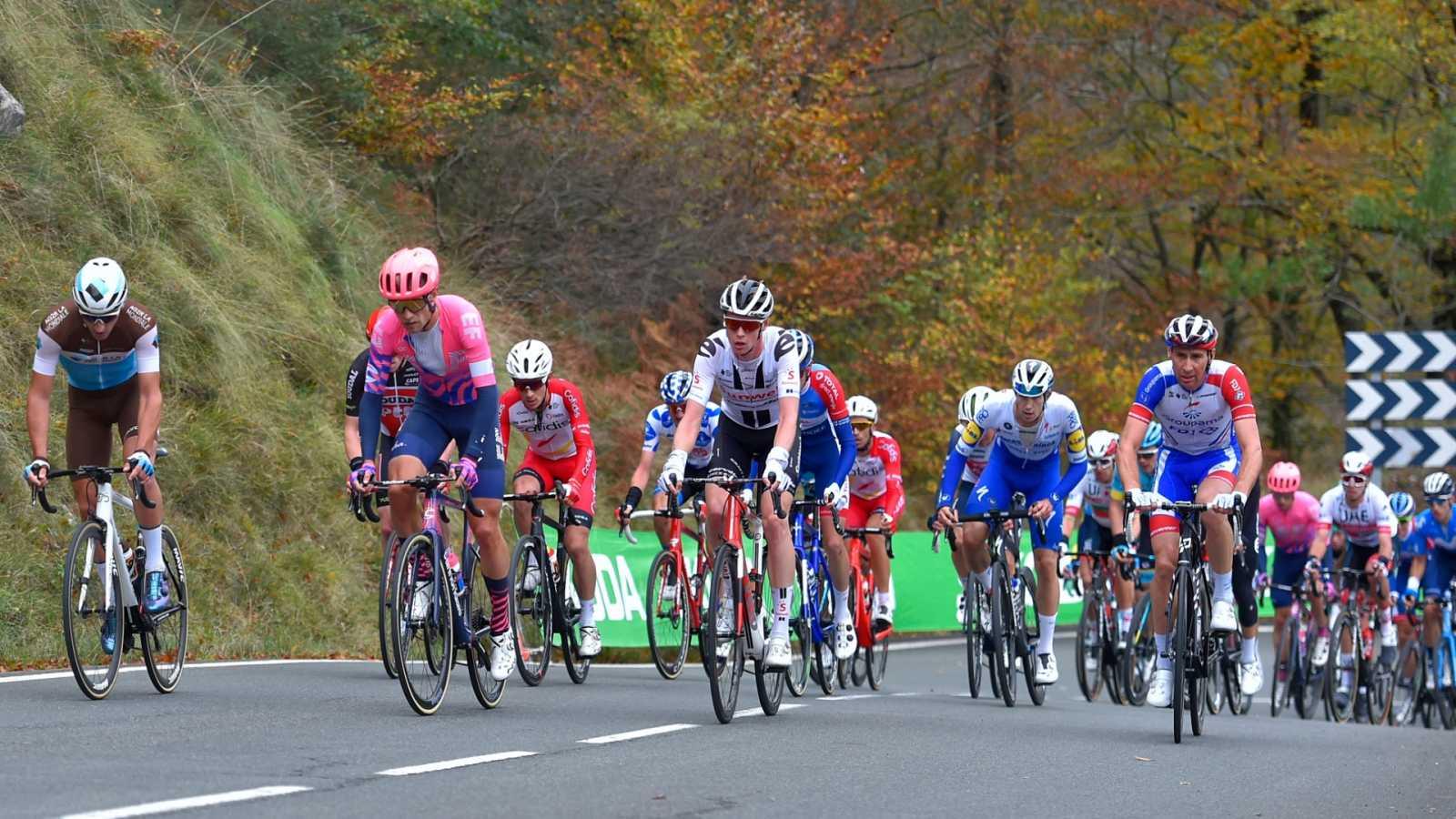 Vuelta ciclista a España 2020 - 7ª etapa: Vitoria-Gasteiz - Villanueva de Valldegovía (1) - ver ahora
