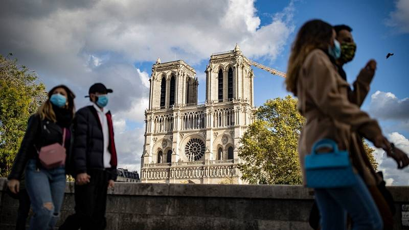 Situación crítica en Francia: Macron estudia nuevas restricciones para frenar el la expansión del coronavirus
