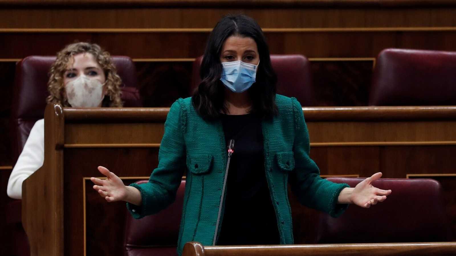 """Montero dice que el Gobierno """"no ha tenido contacto"""" con Ciudadanos para la negociación sobre el diésel"""