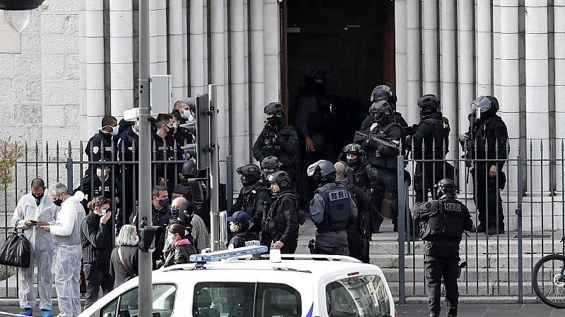 Al menos tres muertos en un atentado yihadista en Niza