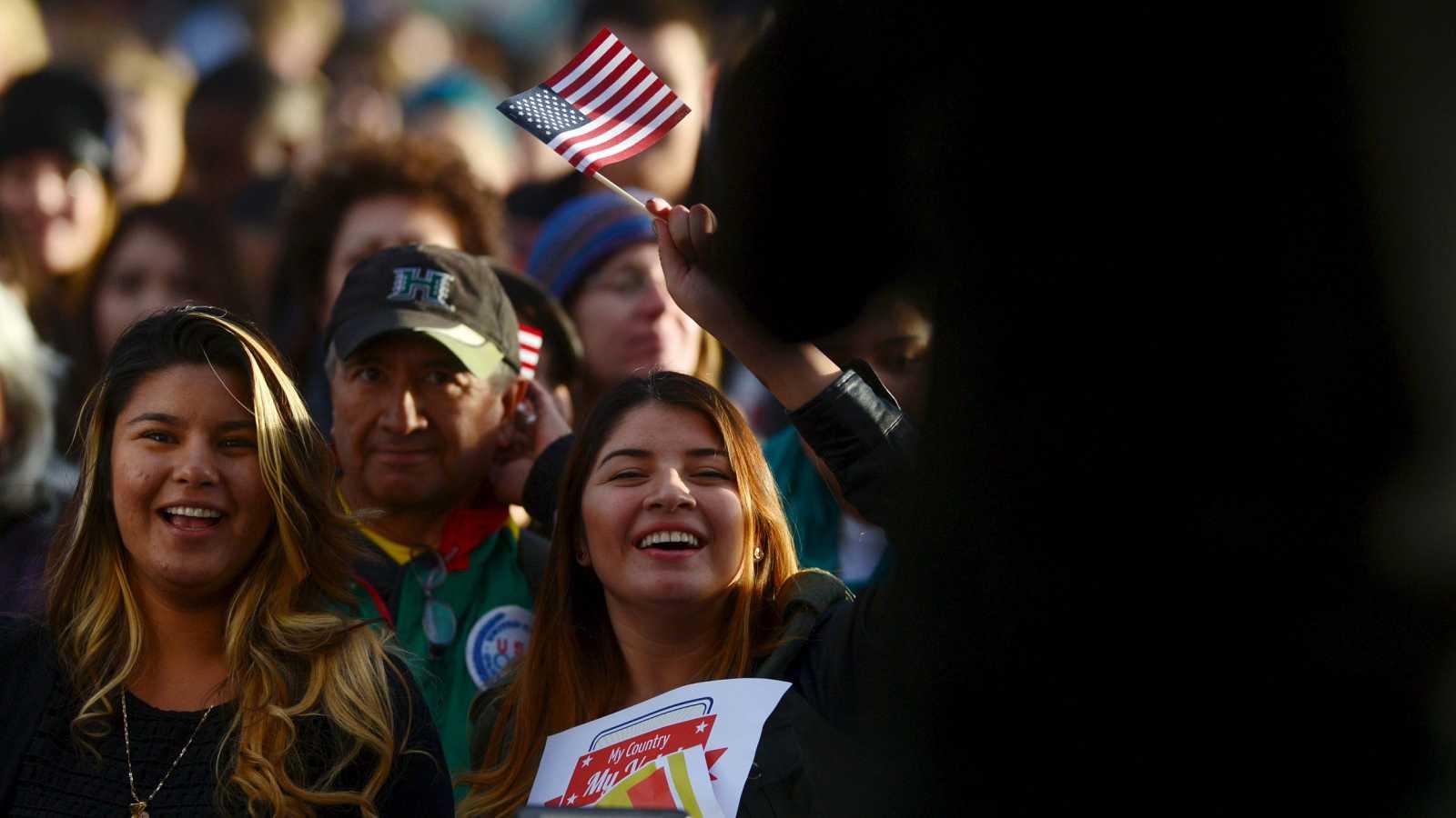 Trump y Biden, a la caza del voto latino, la primera minoría en EE.UU.