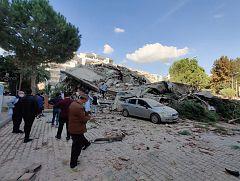 Un terremoto de magnitud 7 deja al menos 4 muertos y más de un centenar de heridos en Turquía