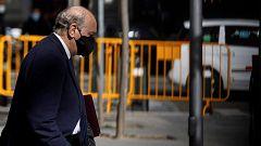 Fernández Díaz declara que los mensajes que le incriminan en la Kitchen son falsos y la Fiscalía pide requisar su móvil