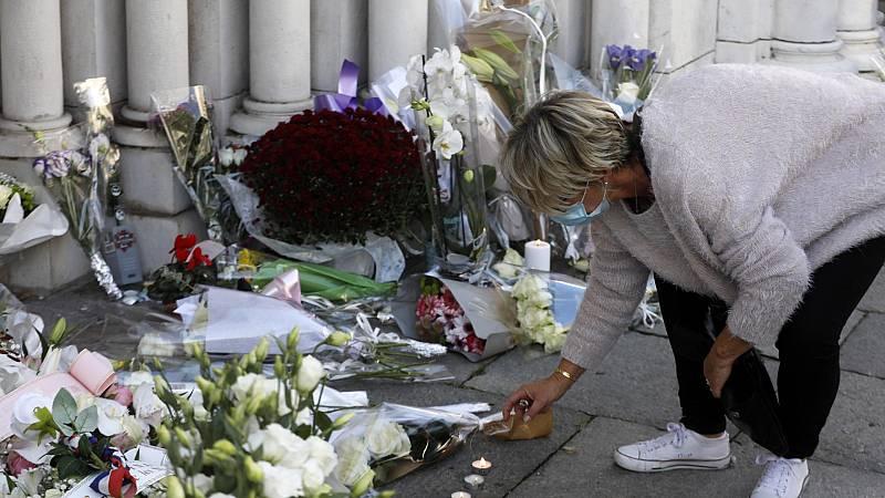 Luto en Niza tras el atentado yihadista que dejó tres muertos en una iglesia