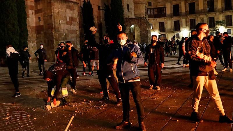 Noche de disturbios en protestas contra las restricciones por la pandemia