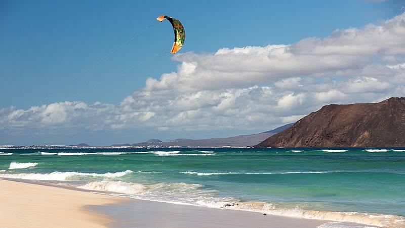 Viento fuerte en el litoral noroeste, mediterráneo peninsular, Baleares y Canarias - ver ahora
