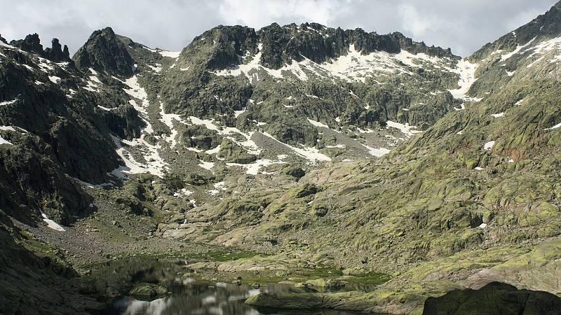 Nevadas en áreas próximas al sistema Ibérico central y Pirineos - ver ahora
