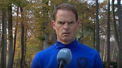 """De Boer: """"Luis Enrique lo está haciendo muy bien"""""""
