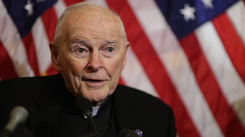 """El Vaticano admite """"errores"""" que hicieron que Juan Pablo II y Benedicto XVI dejaran pasar los abusos del caso McCarrick"""