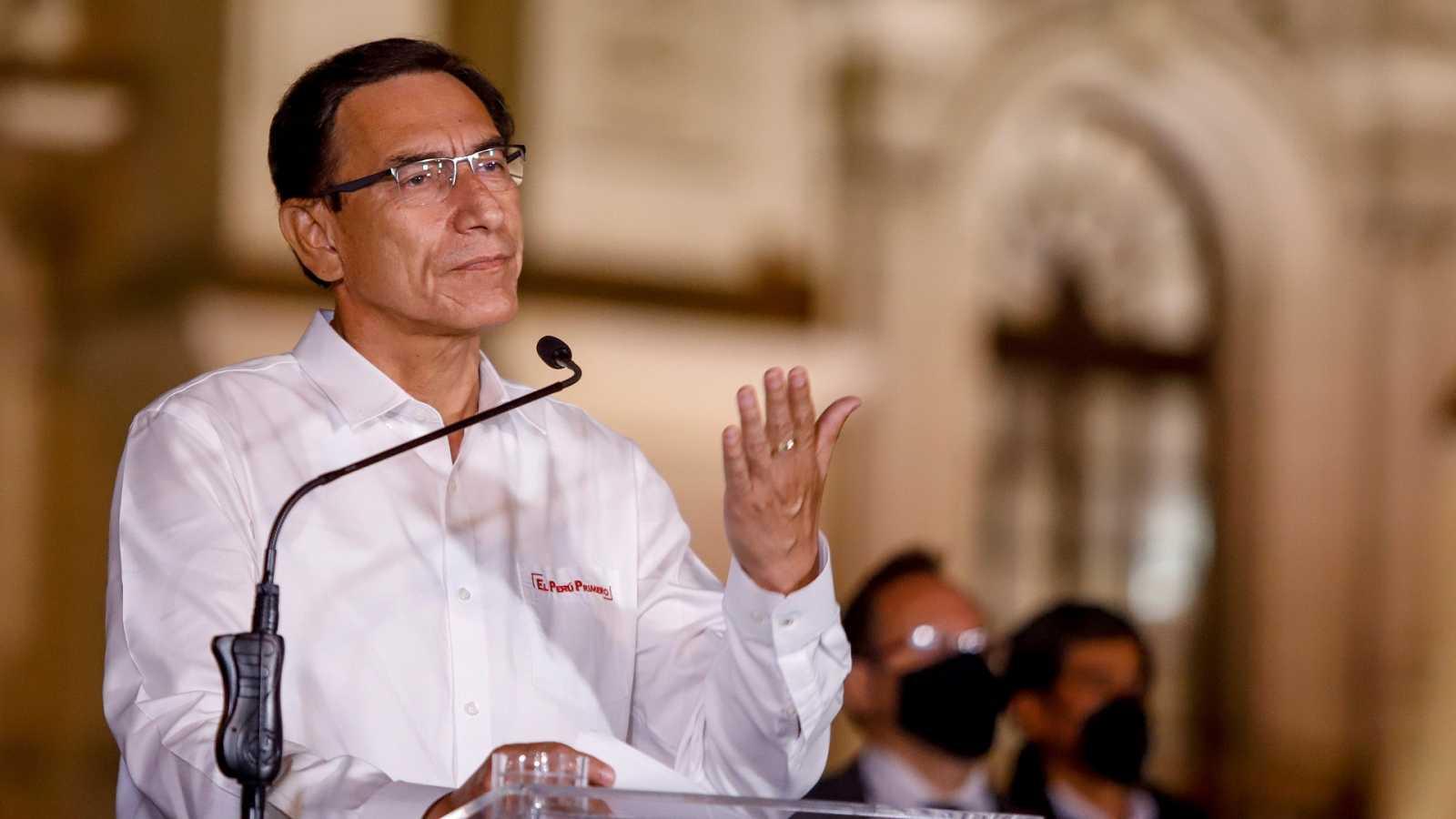 El Congreso de Perú destituye al presidente Martín Vizcarra