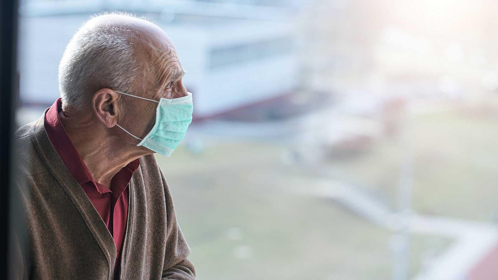 Los familiares con ancianos en residencias vuelven a denunciar la falta de atención en la segunda ola de la pandemia