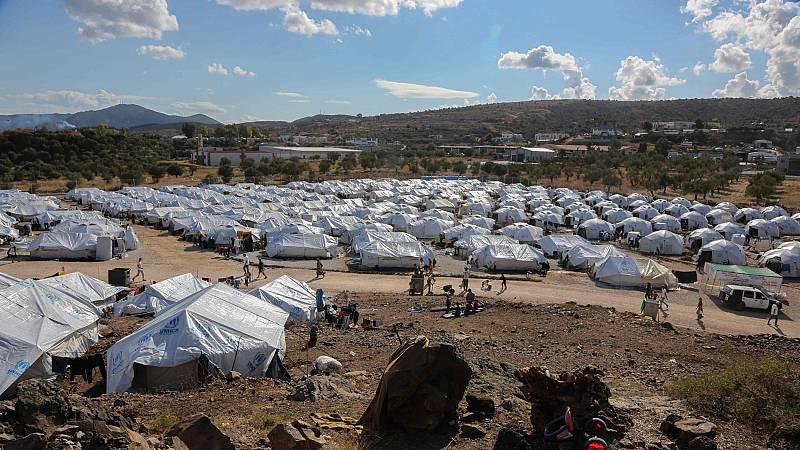 8.000 refugiados viven hacinados en el campo de Kara Tepe en la isla griega de Lesbos
