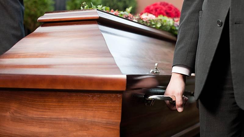 La pandemia retrasa la tramitación de los certificados de defunción o de últimas voluntades