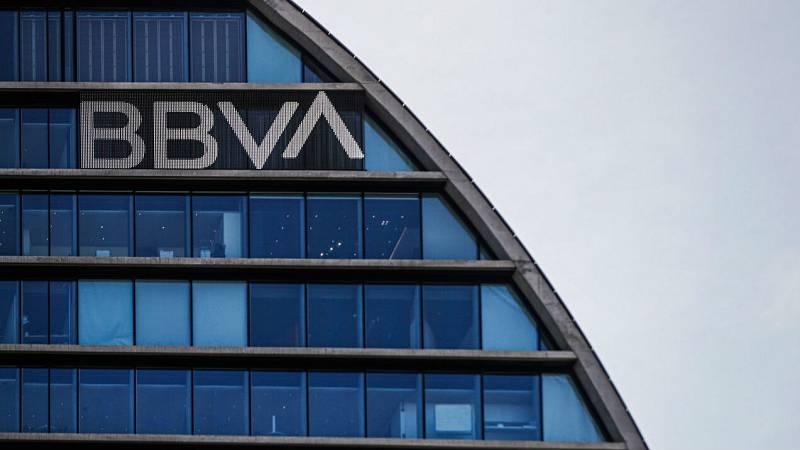 """Santiago Carbó (Funcas): """"Los bancos españoles hicieron bien en invertir en EE.UU."""""""
