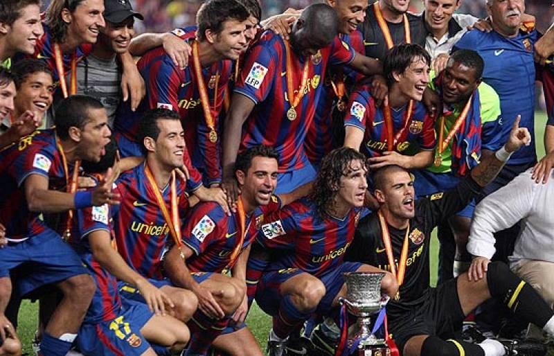 El Barça ya tiene su primer título de la temporada. El conjunto azulgrana conquistó la Supercopa de España tras vencer cómodamente al Athletic por 3-0.