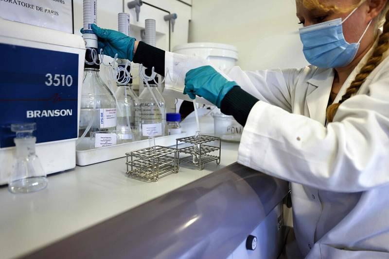 Francia ya realiza pruebas de antígenos en las farmacias