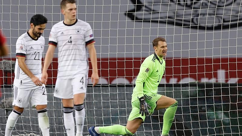"""Telediario- La prensa alemana destaca la """"debacle y el hundimiento"""" de su selección ante España- Ver ahora"""