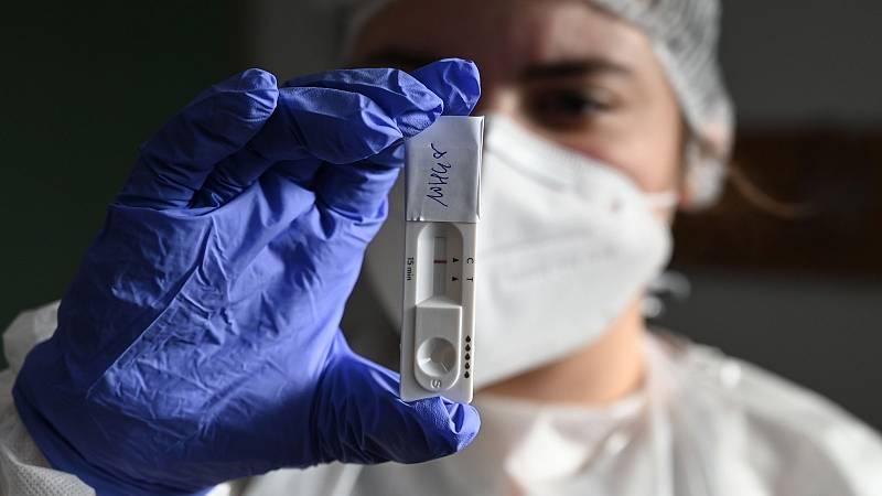 Simón insiste en que los test de antígenos son útiles si se aplican para las situaciones adecuadas
