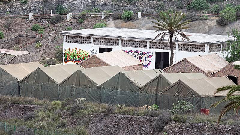 Canarias: El CATE de Barranco Seco acoge ya a unos 400 migrantes