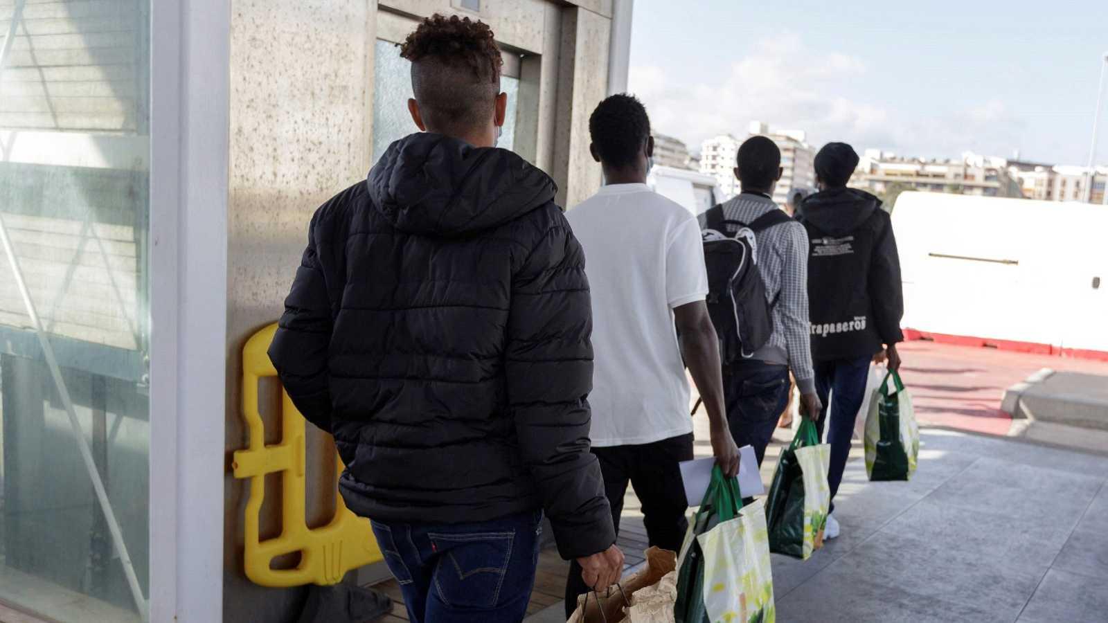 """Jóvenes africanos abocados a coger una patera: """"No tengo otra elección"""""""