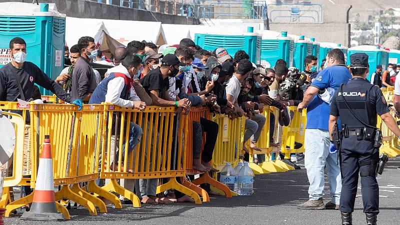 Canarias dicta una orden que obliga a los migrantes con coronavirus a ponerse en cuarentena