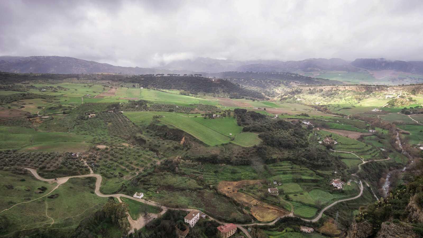 Lluvia mañana en Andalucía occidental, Málaga, sistema Central y Canarias - Ver ahora