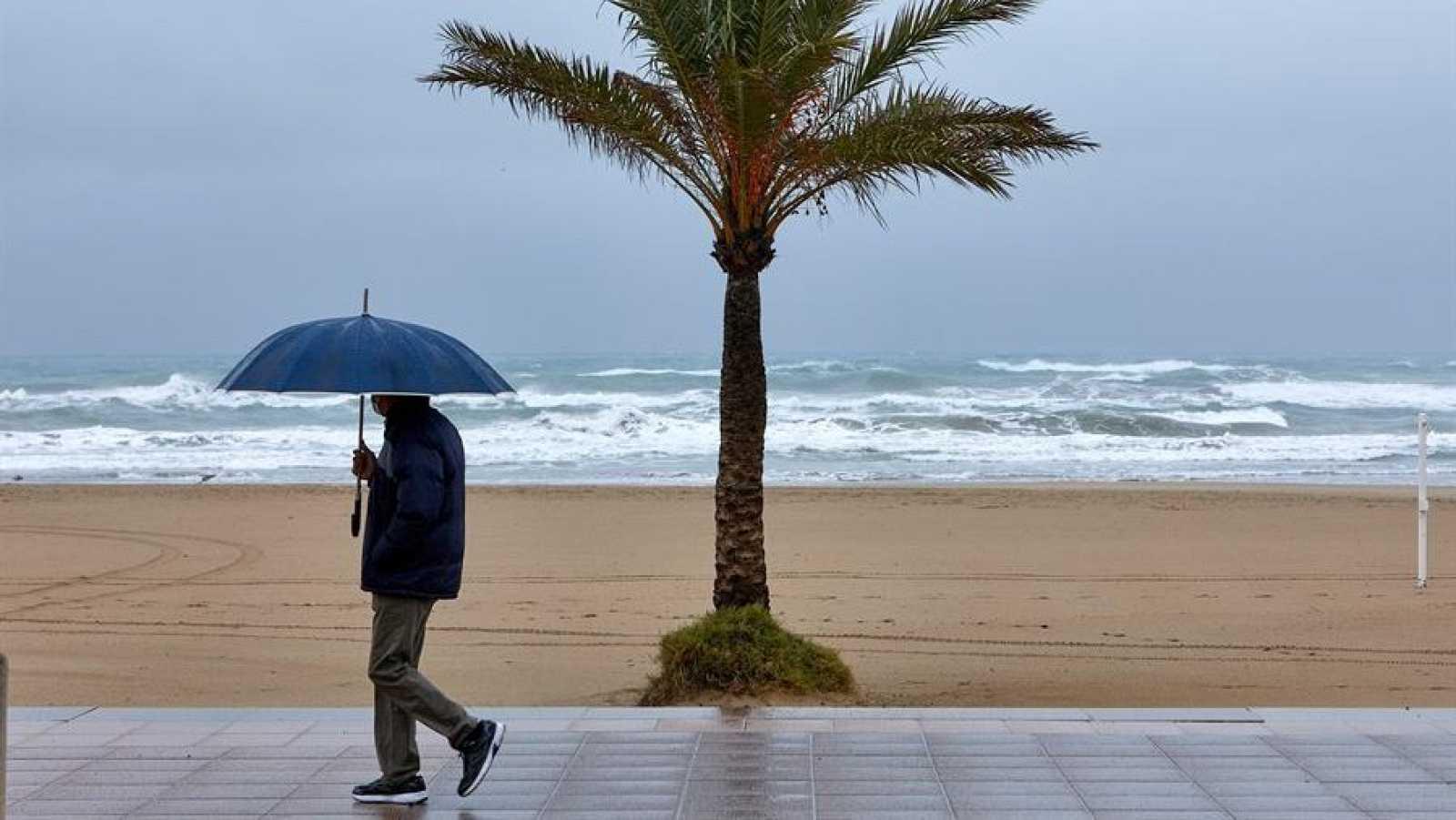 Lluvia en Andalucía occidental, Málaga, sistema Central y Canarias