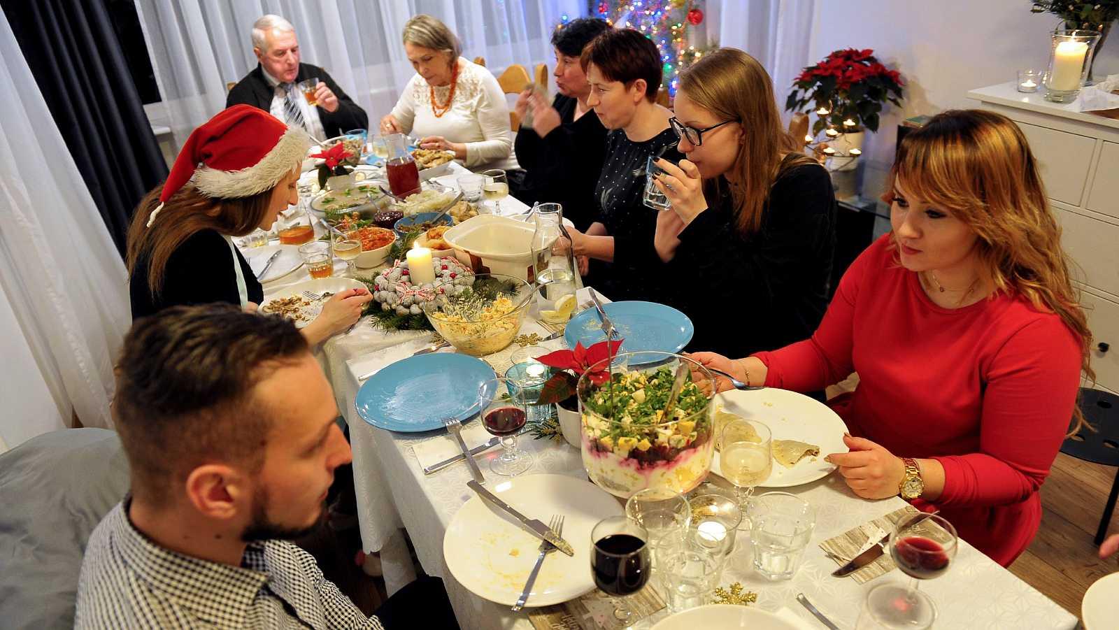 Madrid, Navarra y Cataluña piden menos limitaciones en las reuniones navideñas