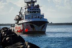 Anillos a la deriva en el Mediterráneo