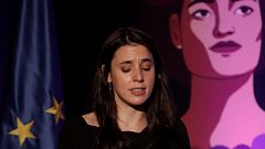 Montero se emociona en el acto contra la violencia de género y llama a la unidad del feminismo