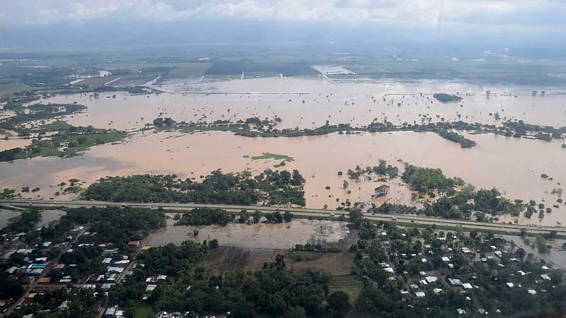 La devastación de los huracanes en Honduras, desde el helicóptero