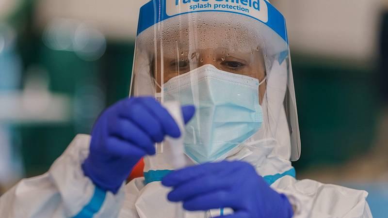 Médicos y sanitarios pasaron meses sin ver a sus familias por miedo al contagio