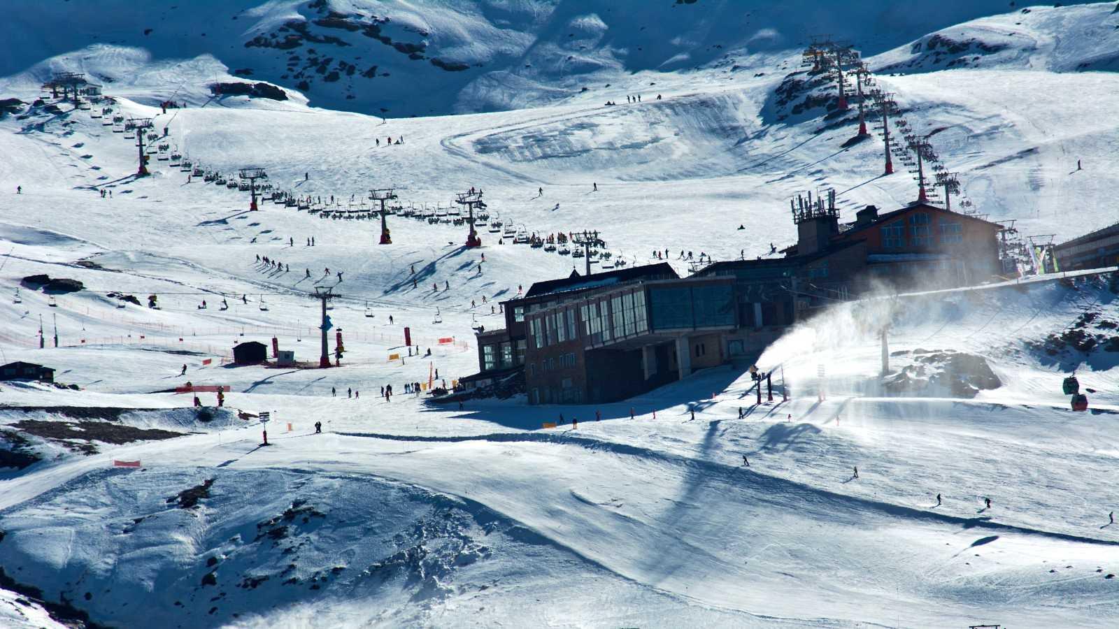 Gobierno y CC.AA estudian la reapertura de las estaciones de esquí, mientras Alemania pide su cierre en toda Europa