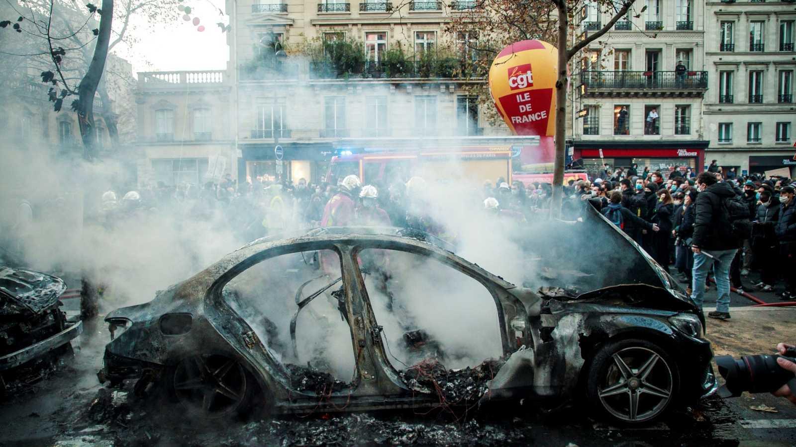 Incidentes al término de una manifestación contra la violencia policial en París