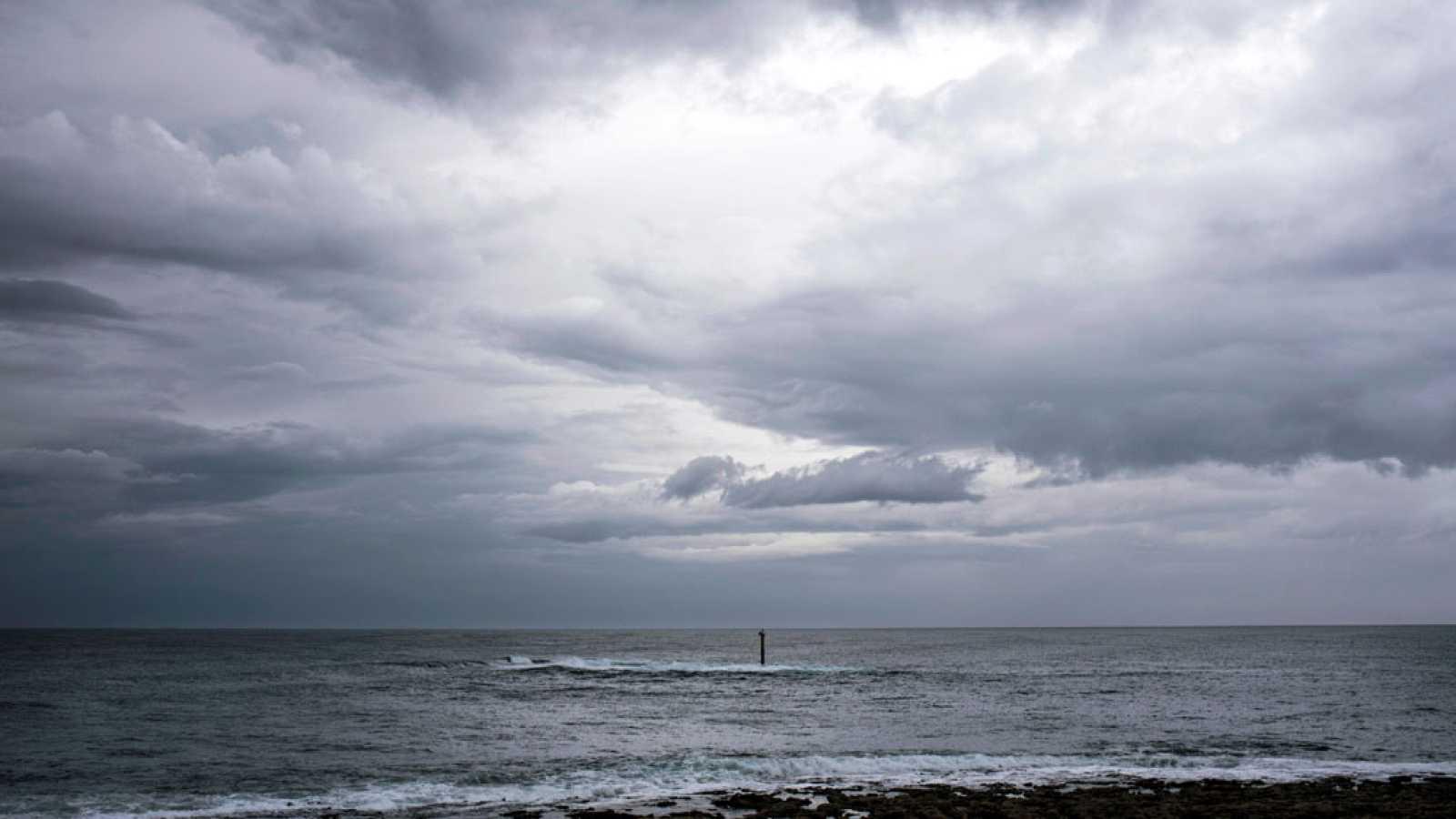 Las lluvias, el viento y la niebla ponen en alerta a cuatro regiones y Melilla